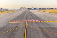 机场barajay马德里跑道西班牙 免版税库存照片