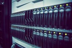 黑机架登上的服务器塔 免版税图库摄影