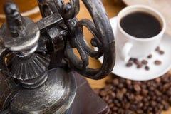 机械古色古香的磨咖啡器 库存照片