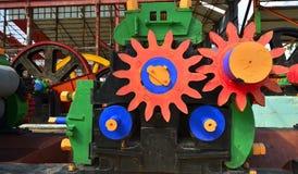 机械新闻 得到的汁液机器从甘蔗磨房 免版税库存照片