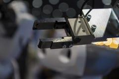 机械机器人与blurr blackground胳膊 库存图片