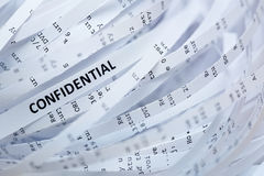 机要堆切细的纸张- 免版税库存照片