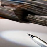 杂志纸铅笔 库存图片