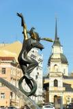杂技演员,圣彼德堡,俄罗斯雕象  免版税库存图片