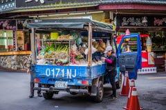 杂货卡车 免版税图库摄影