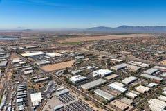 杂货商,在跨境附近的亚利桑那工厂厂房 库存图片
