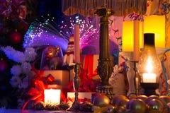 杉木锥体、坚果和咖啡圣诞节拼贴画  库存图片
