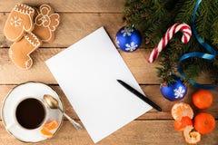 杉树分支圣诞节背景纸片在ol的 免版税图库摄影