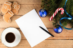 杉树分支圣诞节背景纸片在ol的 免版税库存照片