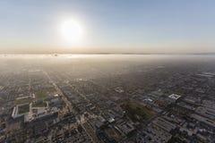 洛杉矶和英格尔伍德烟雾和雾 免版税库存照片