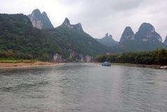 李河的美丽如画的河岸 图库摄影