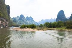 李-有海岛的河-中国 库存照片