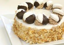 杏仁蛋糕奶油甜点 库存照片