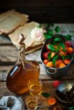 杏子利口酒 样式葡萄酒 选择聚焦 免版税库存图片