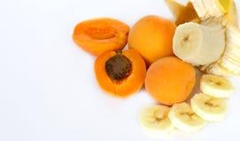 杏子和香蕉 免版税库存照片