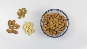杏仁腰果和葡萄干 免版税图库摄影