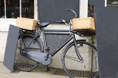 村庄交付自行车 库存图片