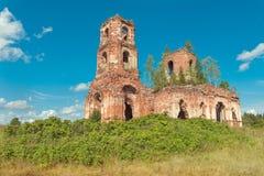 村庄俄语的Noviki教会 免版税库存照片