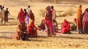 村庄可怜的人民在沙漠 股票录像