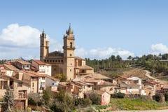 村庄和教会 免版税图库摄影