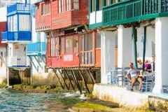 村庄和海滩场面,米科诺斯岛 免版税库存图片