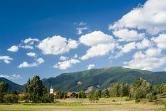 村庄在夏天 库存照片