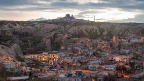 村庄在夜之前在卡帕多细亚 免版税库存图片