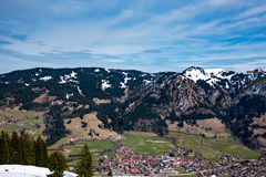 村庄在德国阿尔卑斯 免版税图库摄影