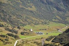 村庄在阿尔卑斯 免版税图库摄影