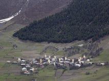 村庄在Svaneti,乔治亚 每个家庭有一个古老塔 免版税库存图片