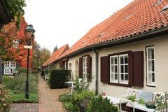 村庄房子和露台 免版税库存图片