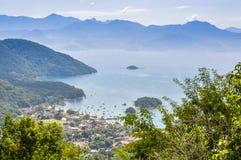 村庄的看法在Ilha重创的海岛,巴西 免版税库存照片
