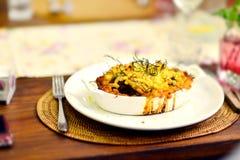 村庄羊羔炖煮的食物饼 免版税库存图片