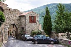村庄视图,小和美丽如画的法国村庄,列斯的成员加上花花公子村庄de最法国 库存照片
