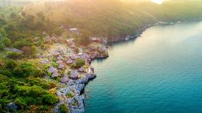 村庄鸟瞰图在Si张海岛,泰国上的 免版税库存照片
