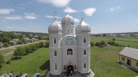 村庄Hrushivka射击寄生虫的教会 免版税库存图片