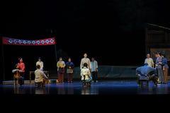 村民江西歌剧的竞选的三名候选人杆秤 免版税图库摄影