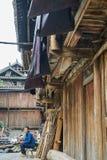 洞村的中国农夫 库存照片