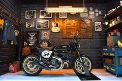 杜卡迪倒频器摩托车在曼谷国际泰国Mo 免版税库存照片