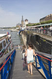 杜塞尔多夫小船游览 免版税库存照片