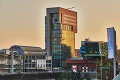 杜塞尔多夫,德国- 2016年9月14日:媒介港口是一个风景地方是在日落期间 免版税库存图片