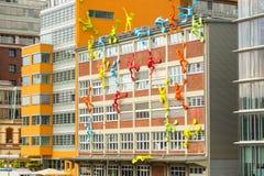 杜塞尔多夫 德国Junr 04,在Roggendorfer Haus大厦的2017个五颜六色的图 图库摄影