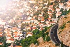 杜布罗夫尼克和机动车路城市 库存图片