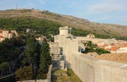 杜布罗夫尼克市老城镇堡垒墙壁  库存照片