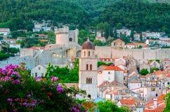 杜布罗夫尼克惊人的全景有老镇和亚得里亚海的,达尔马提亚,克罗地亚 免版税库存照片