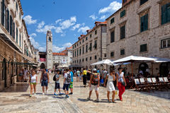 杜布罗夫尼克老镇的中央街道,克罗地亚 库存图片