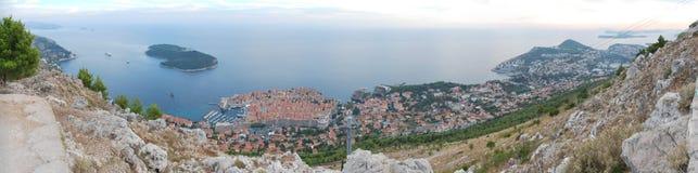 杜布罗夫尼克,克罗地亚全景视图和亚得里亚海 免版税库存图片