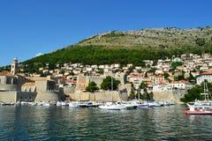 杜布罗夫尼克/Croatia - 2014年9月09日:杜布罗夫尼克旧港口  免版税图库摄影