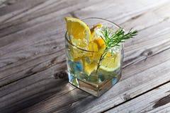杜松子酒用柠檬 库存照片
