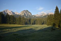 杜米托尔国家公园山的清早全景 免版税库存图片